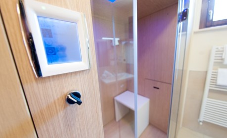 Cabina doccia con cromoterapia, sauna e bagnoturco
