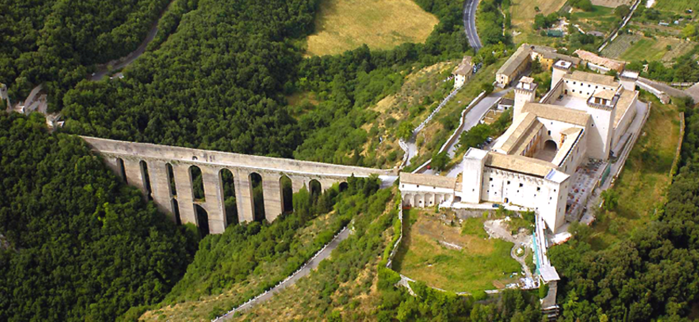 Foto Panoramica Rocca e Ponte delle Torri di Spoleto